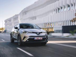 Toyota bude pokračovat ve vývoji technologie pro městské služby a silniční komunikace s využitím propojených vozidel s cílem aktivně podporovat práci místních samospráv.