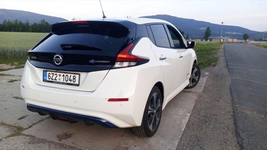 Nový Nissan Leaf jako vůz taxi - už i v Česku!