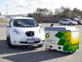 Pojízdná krabička s baterií od FreeWire se jmenuje Mobi Charger. Je to vlastně mobilní rychlonabíječka pro elektromobily.