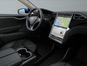 auto elektromobil Tesla Model S interiér