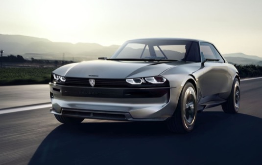 Peugeot e-Legend nabízí v závislosti na typu silničního provozu nebo nálady řidiče čtyři režimy řízení.