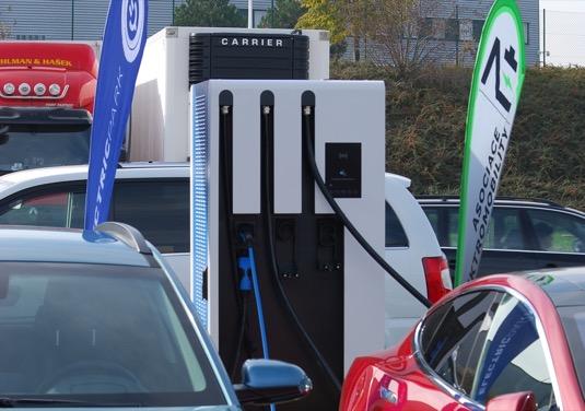 VČeské republice byla nainstalována první nabíjecí stanice pro elektromobily o výkonu 100 kW
