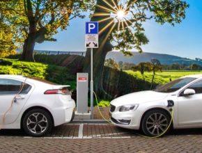 auto elektromobily nabíjecí stanice