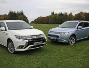 První a druhá generace plug-in hybridů Mitsubishi Outlander PHEV vedle sebe.
