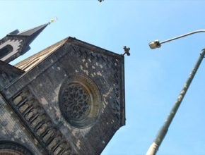 Praha měří čistotu ovzduší skrze pouliční lampy