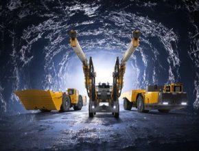 auto Epiroc Švédsko důlní stroje nakladač