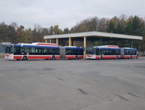 Osmnáct standardních autobusů a devět kloubových vozů na alternativní pohon CNG najely za tu dobu přes tři miliony kilometrů a vyprodukovaly čtyři tuny emisí. Vyřazené autobusy EURO normy II a III by při stejném nájezdu vypustily 1 090 tun emisí.