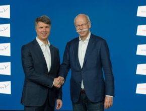 Harald Krüger, předseda představenstva BMW, a Dieter Zetsche, totiž u Daimleru