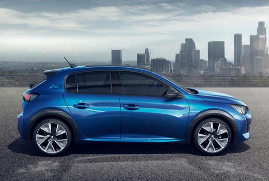 Nový Peugeot e208