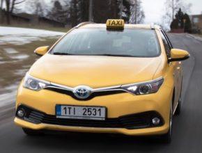 auto taxi hybrid Toyota