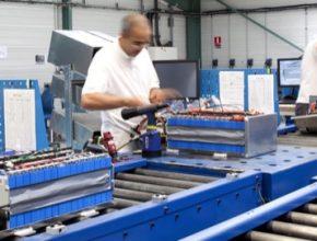Výroba bateriových článků a baterií se v 21. století stává klíčovým průmyslovým odvětvím.