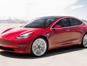Elektromobil Tesla Model 3 kraluje dalším evropským trhům a nadále se mu daří i doma.