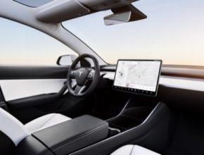 Ovládání vozů Tesla prostřednictvím hlasových příkazů dostane brzy zcela novou úroveň.