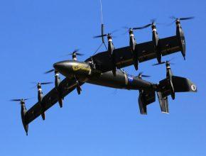 NASA GL-10 Greased Lightning. Model stroje z kategorie malých intenzivně vyvíjených letadel s kolmým vzletem a přistáním. Specifikem činnosti lidí z NASA je vynález distribuovaného pohonu. Ten se skládá z mnoha menších vrtulí eventuálně ventilátorů napájených akumulátorem. Nicméně primárním zdrojem energie bude na palubě umístěný diesel-elektrický agregát. Takovýto přístup je pořád environmentálně šetrnější než přímé zapojení spalovacího motoru.