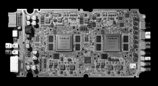 auto elektromobily Tesla FSD čip počítač pro autonomní řízení