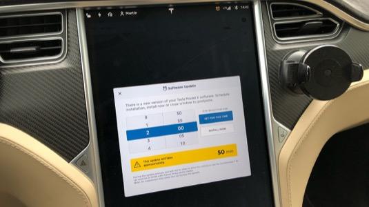 Tesla Model X aktualizace update software firmware