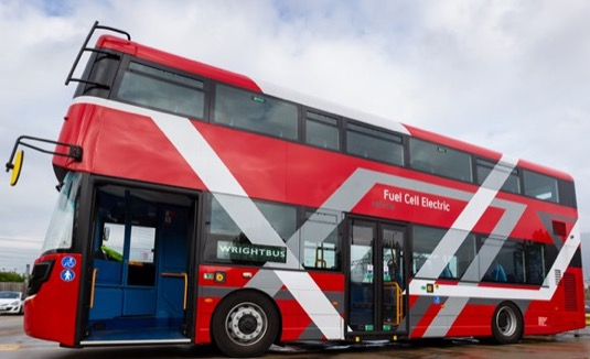 auto autobus doubledecker na vodík