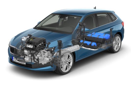 Nová ŠKODA SCALA G-TEC disponuje třemi nádržemi na CNG (na obrázku modrou barvou) s kapacitou 13,8 kilogramu a také 9litrovou nádrží na benzin.