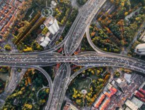 Velké aglomerace jsou přitažlivé svou produktivní ekonomikou a bohatou kulturou, zároveň však potřebují čistý vzduch a dostatek zeleně. Můžeme mít obojí: velkoměstský komfort ve zdravém životním prostředí.
