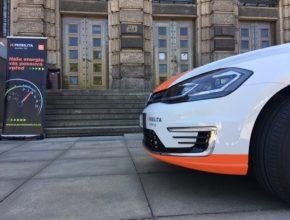 V České republice je aktuálně registrováno více než 2500 elektromobilů. V roce 2017 přibylo 400 vozů na elektrický pohon, loni rekordních 725 elektrických aut a letos jen do konce května dalších 295 elektromobilů.