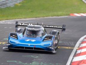 Značky Bridgestone a Volkswagen pokořily rekord Nürburgringu