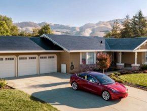 solární střešní tašky Tesla