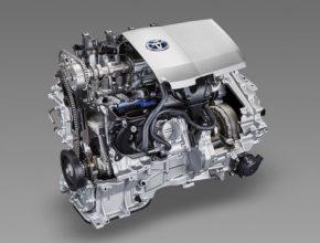 spalovací motor, který je součástí hybridního pohonného systému Toyota