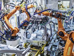 Nové svařovací roboty rozšířily kapacitu pro výrobu chystaného elektromobilu v Mladé Boleslavi. Nový ultrakapacitor v Kvasinách slouží k vyrovnávání výpadků nebo poklesů napětí přicházejících z distribuční sítě.