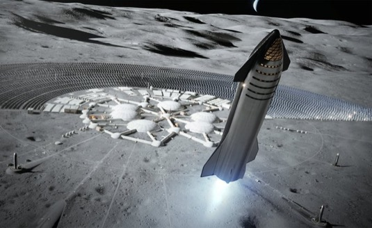 Vesmírná loď Starship a v pozadí měsíční základna.