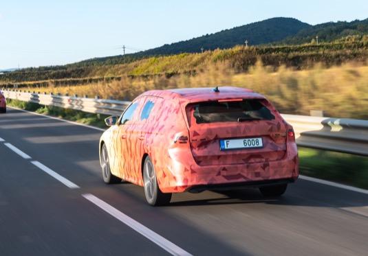 Nová Škoda Octavia čtvrté generace.