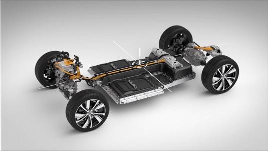 Umístění baterie a další elektroniky v řezu elektromobilu Volvo XC40 Recharge