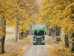 Scania se zavazuje k podpoře cíle dekarbonizace v souladu s omezením globálního oteplování na 1,5 °C