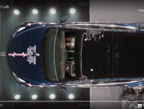 auto Tesla Crash Lab elektromobily Tesla Model 3
