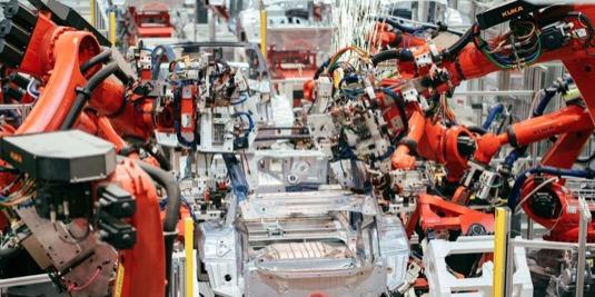 Výrobní linky už jsou připraveny a vyrábějí první testovací kusy