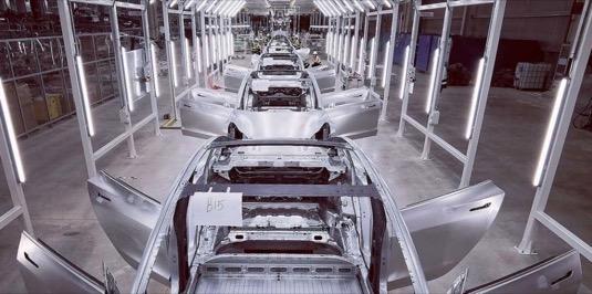 Čínská verze elektromobilu Tesla Model 3