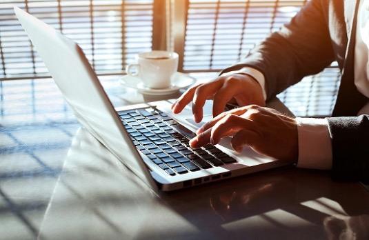 Multibankovní aplikaci internetového bankovnictví Global cash mohou využívat klienti Komerční banky