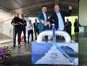 ECR Rapotín jako první odpadová bioplynová stanice vtláčí plyn přímo do plynárenské distribuční soustavy spravované společností GasNet. Celková investice projektu byla 45 mil. Kč.