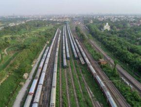K výraznému rozmachu zde dochází zejména v Číně, Japonsku či Indii, čehož se snaží využít i čeští exportéři. Svými výrobky se snaží tamní železnice rozvíjet směrem k modernizaci, elektrifikaci či stavbě speciálních koridorů. Význam tohoto druhu dopravy přitom vidí jako klíčový. Jako důvody uvádí velkou hustotu zalidnění v některých zemích či otázku klimatu.