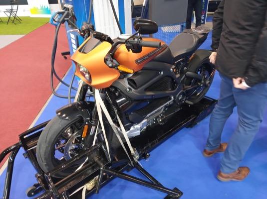 Elektromotorka Harley-Davidson LiveWire byla k vidění na stánku PRE.
