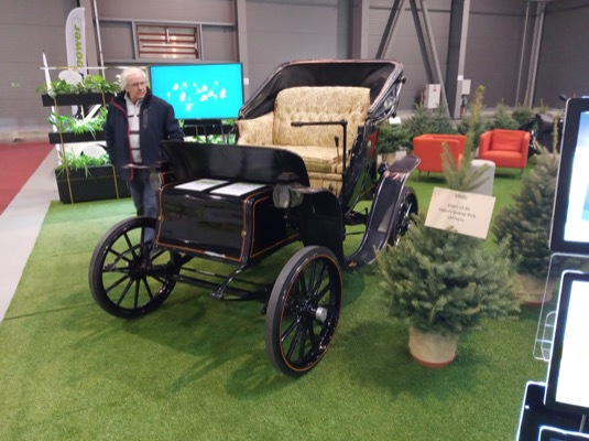 I takovéto historické stroje byly na e-Salonu k vidění.