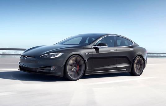 auto elektromobil Tesla Model S Plaid