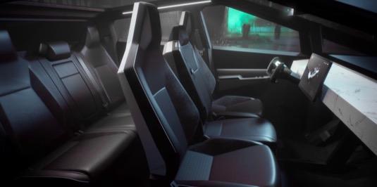 Interiér Tesla Cybertruck bude nejspíš ve finální verzi vypadat úplně jinak, zejména s ohledem na volant, který se podobá tomu z nové generace Tesla Roadster.