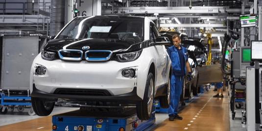 auto elektromobil BMW i3 prodloužení záruky výroba v továrně v Lispku