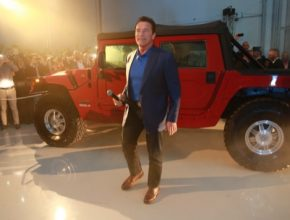 elektromobil Hummer H1 Arnold Schwarzenegger Kreisel Electric