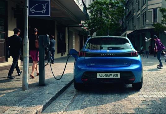 auto elektromobily Peugeot e-208
