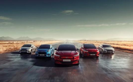 Celý automobilový průmysl se významně mění – a modrý ovál je připraven udávat v tomto procesu směr. Ke konci roku 2020 bude mít v nabídce čtrnáct elektrifikovaných modelů a počítá také s elektrifikací všech nových vozů, které bude uvádět na trh v budoucnu.