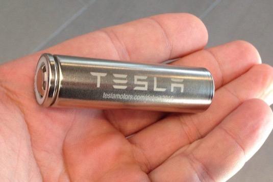 auto Tesla baterie patent nové složení Jeff Dahn článek