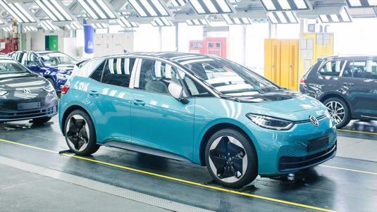 výroba elektromobilu Volkswagen ID.3 v továrně Cvikov.