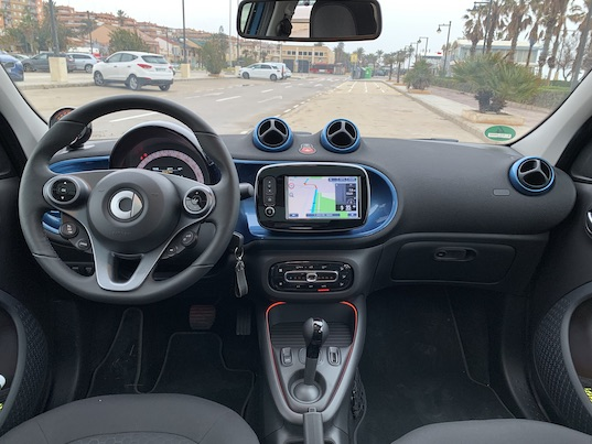 auto elektromobil smart EQ 2020