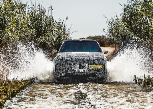 V souvislosti s elektromobilem BMW iNext se mluví o dojezdu až 700 km na jedno nabití.